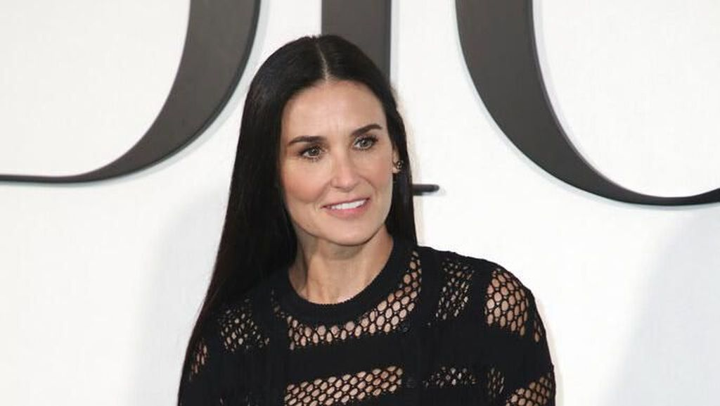 Rambah Podcast, Demi Moore Bintangi Serial Audio Erotis