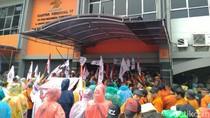 Karyawan PT Pos Indonesia Demo, Minta Direksi Diganti