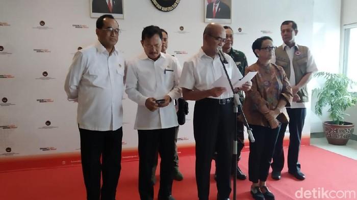 Menko PMK Muhadjir Effendy dalam konferensi pers (Wilda Hayatun Nufus/detikcom)
