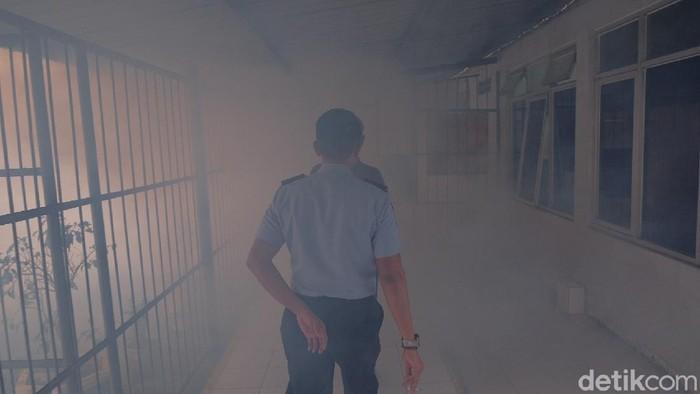 Cegah DBD, Lapas Karawang lakukan fogging