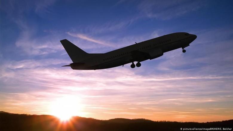 Kiat Sehat Selama Terbang Dalam Pesawat
