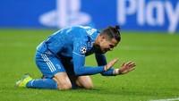 Cristiano Ronaldo: 38 Free Kick 0 Gol