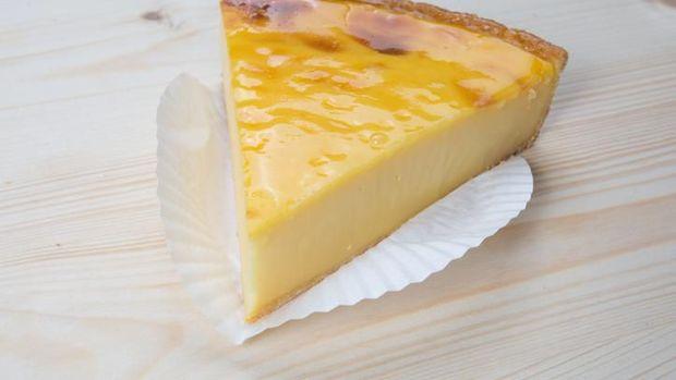 Makanan khas Papua yang mirip dengan pie susu.