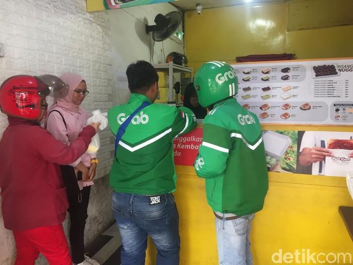 Ojol Antar Makanan Medan Grabfood