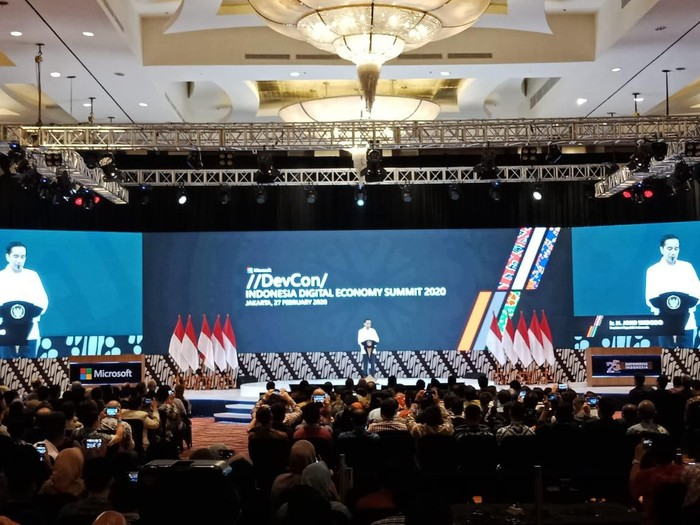 Jokowi Curhat Ditawari Obat Penggemuk Badan