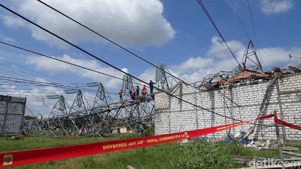 Warga Sebut Tower PLN yang Roboh di Rembang Sudah Miring Berbulan-bulan