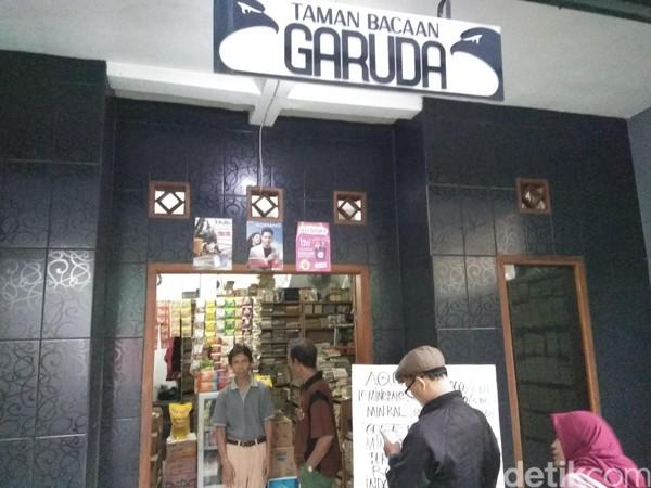 Namanya Taman Bacaan Garuda, berada di Gang M. Ardjo, Jalan Jenderal Amir Machmud, Kota Cimahi. (Whisnu Pradana/detikcom)