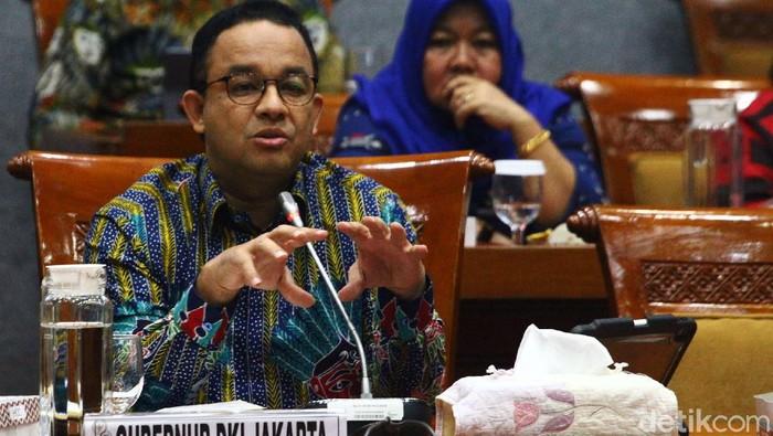 Gubernur DKI Jakarta Anies Baswedan hadir dalam rapat dengar pendapat (RDP) dengan Komisi X di Gedung DPR, Jakarta, Kamis (27/2/2020). Rapat membahas revitalisasi Taman Ismail Marzuki (TIM).