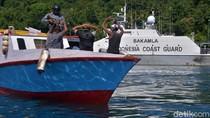 Bakamla Gelar Simulasi Penyergapan Kapal Asing di Perairan Sulut