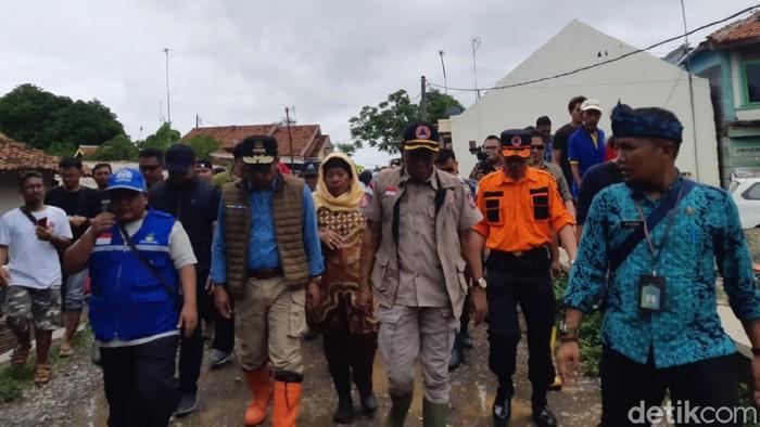 Gubernur Jabar Ridwan Kamil tinjau banjir Subang