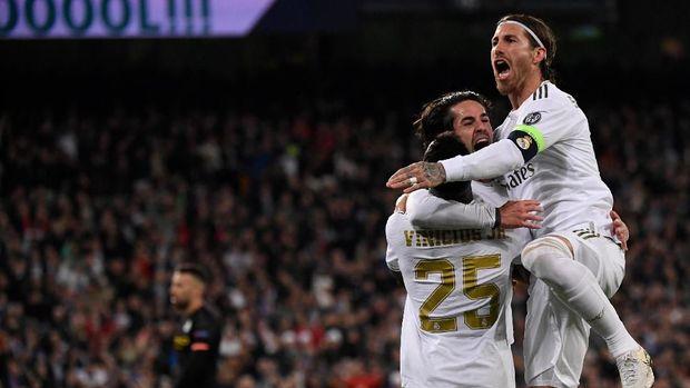 Keunggulan Real Madrid buyar dalam waktu lima menit.