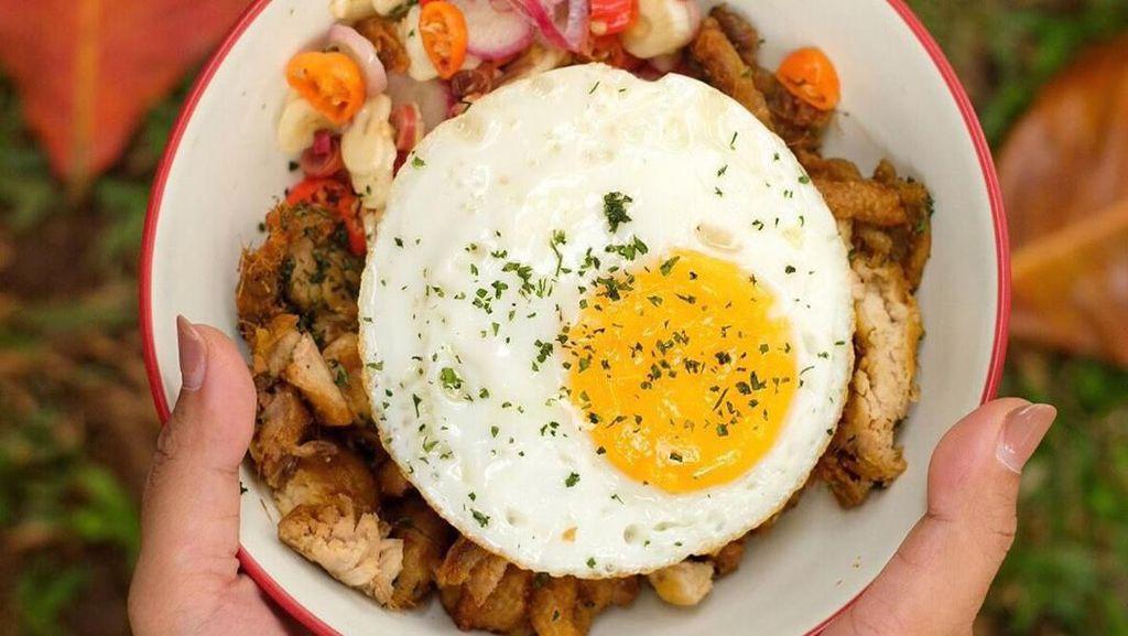 Sedap Beraroma, Nasi Ayam Kecombrang Ada di 5 Tempat Ini