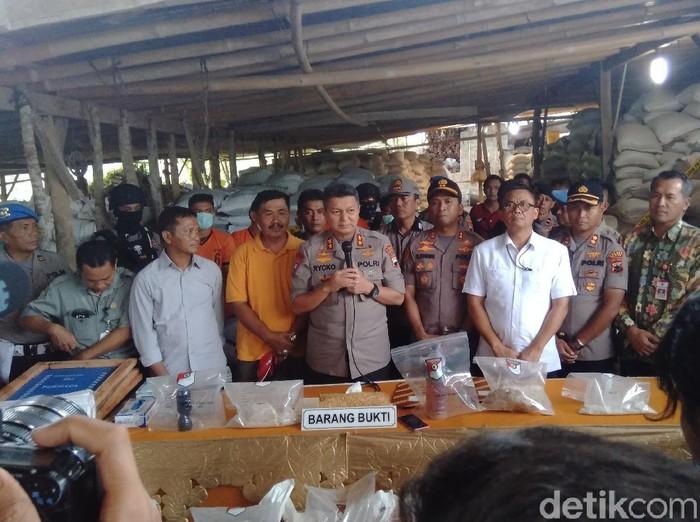 Polda Jawa Tengah ungkap tujuh pabrik produsen pupuk palsu, Kamis (27/2/2020).