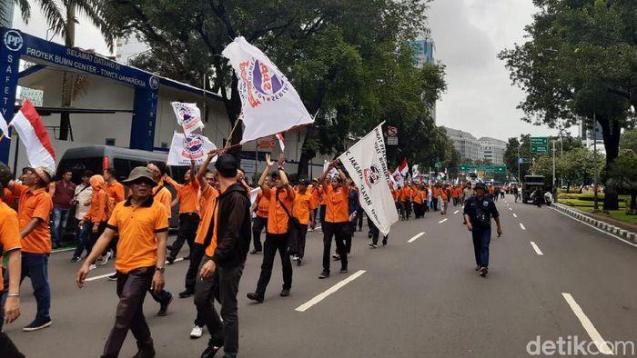 Pegawai PT Pos Indonesia Demo di Kementerian BUMN
