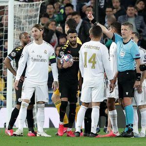 Sergio Ramos... Kok, Hobi Betul Kartu Merah, Sih?