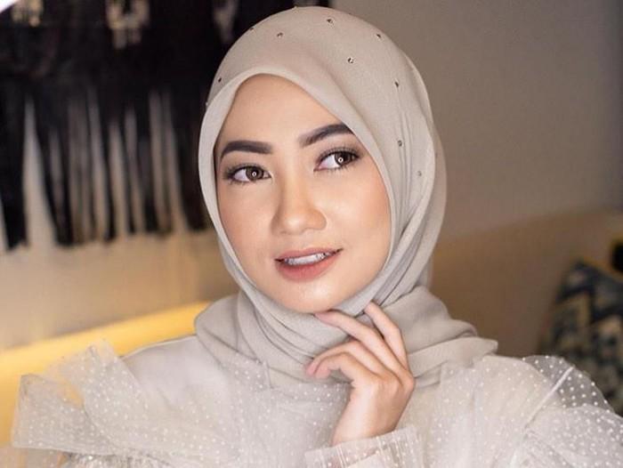 Hijab untuk Wisuda 2019