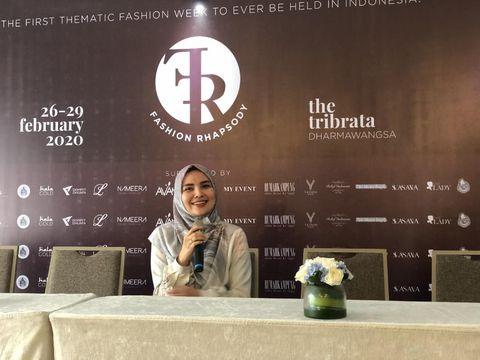Ria Miranda Keluar dari Zona Nyaman, Rilis Baju Muslim Warna Mencolok