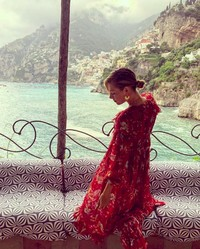 Berfoto di kamar hotelnya di Villa Treville Positano, Italia. (mariasharapova/Instagram)