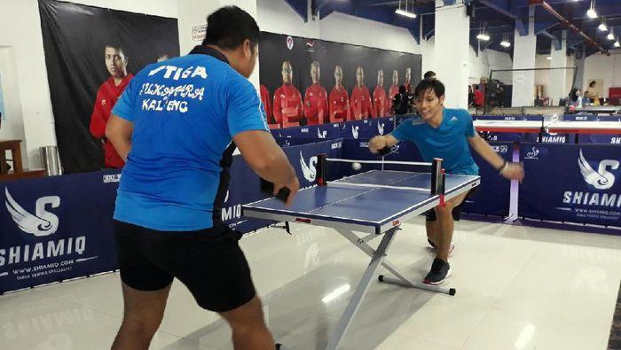 Atlet tenis Para Games berlatih di Solo