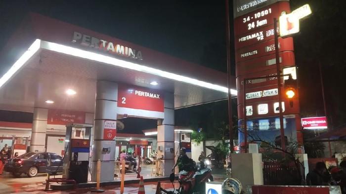 SPBU 34-10501 di Jl Pramuka, Jakarta Pusat