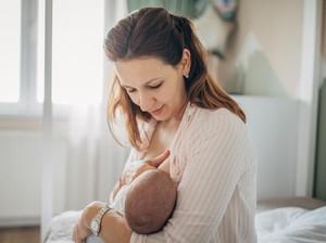 Kabar Baik, Ibu yang Divaksin COVID-19 Bisa Beri Antibodi ke Bayi Lewat ASI