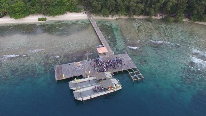 WNI ABK World Dream tiba di Pulau Sebaru Kecil yang berada di Kepulauan Seribu. Pulau itu akan menjadi lokasi karantina terkait virus corona.