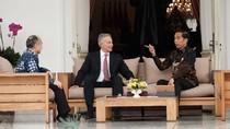 Jokowi Sambut Tony Blair dan Bos Softbank di Istana