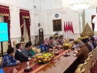 Jokowi Sambut Tony Blair dan Bos Soft Bank di Istana