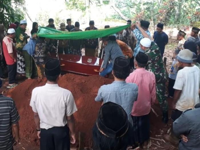Pemakaman jasad TKI dari Hong Kong, Siti Khotijah di Batang, Jumat (28/2/2020).