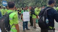 Ratusan Pegawai Bandara Soetta Geruduk Kantor Erick Thohir