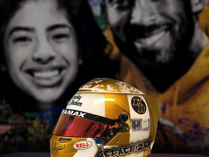 Helm Sean Gelael F2 2020 bertemakan Tribute to Kobe Bryant