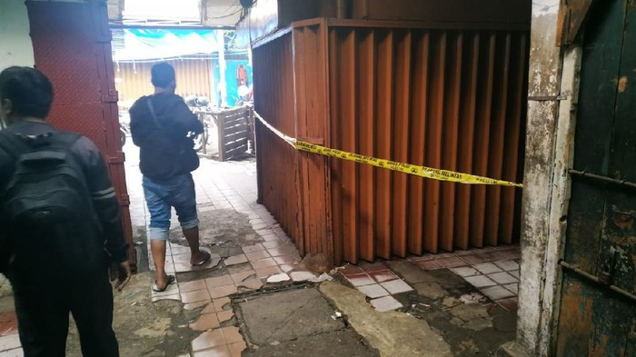 Toko emas di Pasar Pecah Kulit Pinangsia dirampok pria bersenpi