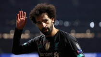 Pakai Topeng Mohamed Salah, 4 Orang Bersenpi Rampok Toko