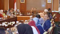 Bye-bye Kegelapan! 433 Desa di Indonesia Timur Akan Dialiri Listrik