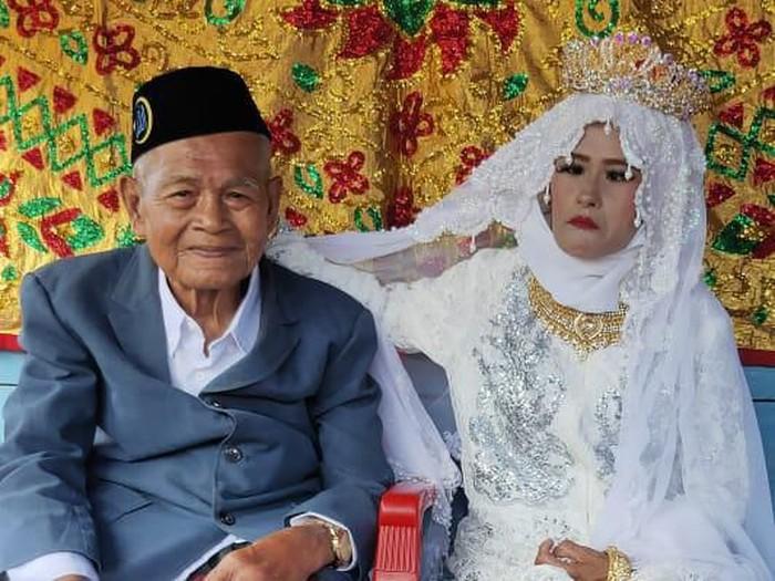 Sewindu Ditinggal Istri, Kakek 103 Tahun di Sulsel Nikahi Gadis Perawan (dok. Istimewa)