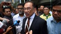Anwar Ibrahim Legowo Dukung Mahathir Jadi PM Malaysia Lagi