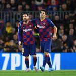 Suarez: Messi Akan Seumur Hidup di Barcelona, Asalkan ...