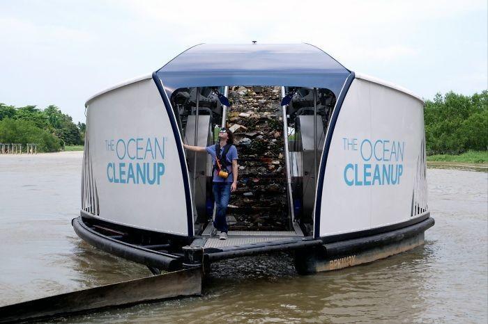 Keren Ada Kapal Pengangkut Sampah Otomatis