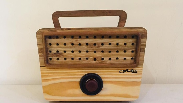 Radio Kayu