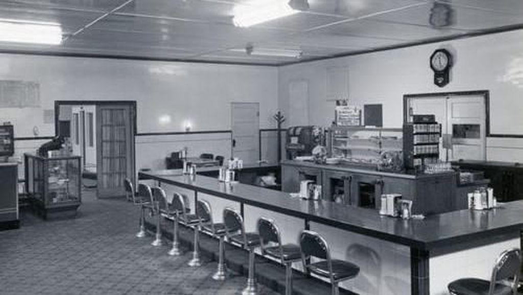 Seperti Inilah Suasana Restoran di Tahun 1900-an