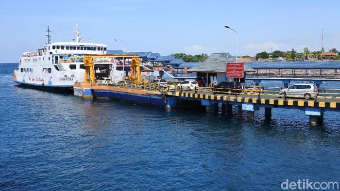 PT Angkutan Sungai Danau dan Perairan (ASDP) Indonesia Ferry memberlakukan tiket online bagi para pengguna jasa pelayaran di 4 Pelabuhan utama. Salah satunya Pelabuhan Ketapang Banyuwangi.