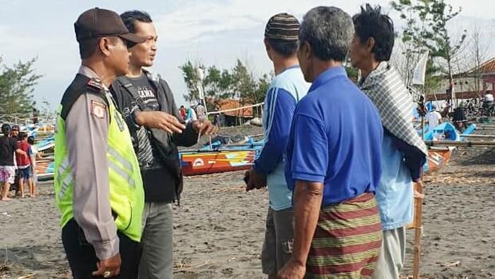 Perahu terbalik, 1 nelayan di hilang di Purworejo, Minggu (1/3/2020).