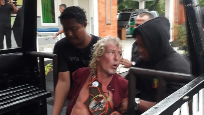 Bule Jerman yang ngamuk di minimart Ubud