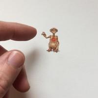 ilustrasi mini seukuran ujung jari