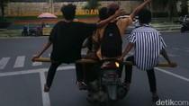 Polisi Lacak Nopol Motor yang Dinaiki Anak Muda Berlima di Medan
