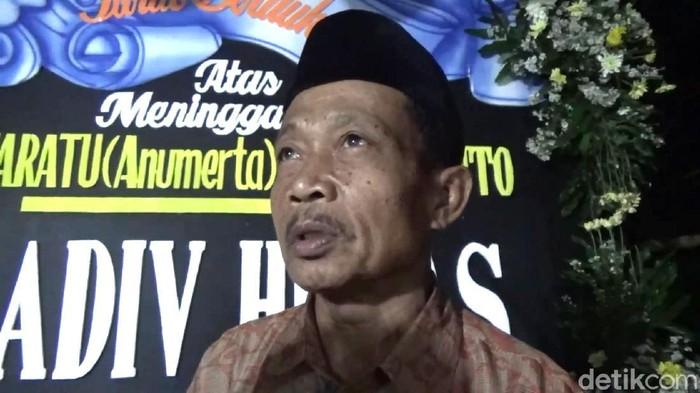 Duka mendalam dirasakan keluarga Bharatu Anumerta Doni Priyanto. Doni merupakan anggota Brimob asal Trenggalek yang gugur dalam kontak tembak di Papua.