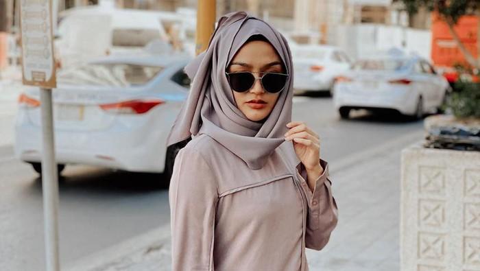 Siti Badriah Berhijab