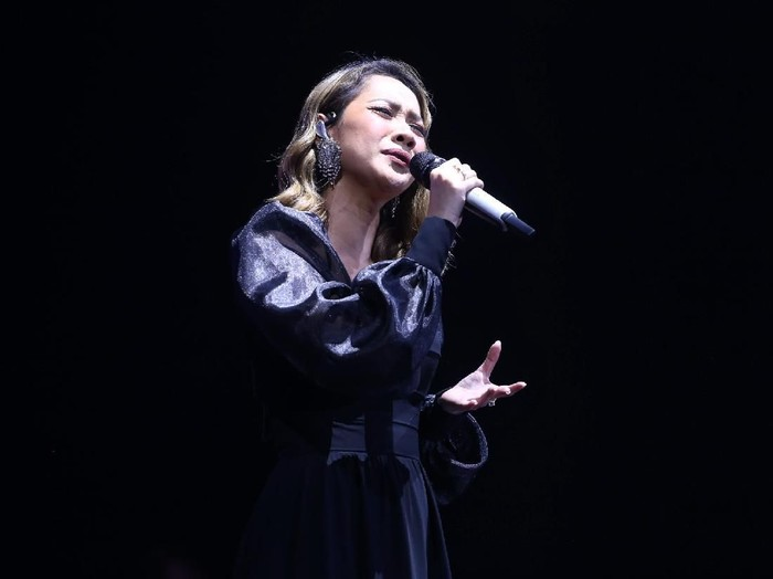 Bunga Citra Lestari (BCL) di konser Ronan Keating di Jakarta, Sabtu (29/2/2020)