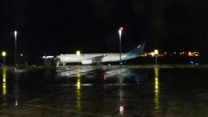 Pesawat yang mengangkut 69 WNI ABK Dimaond Princess tiba di Bandara Kertajati