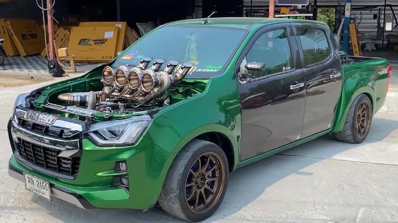 Isuzu D-Max pakai 5 turbo